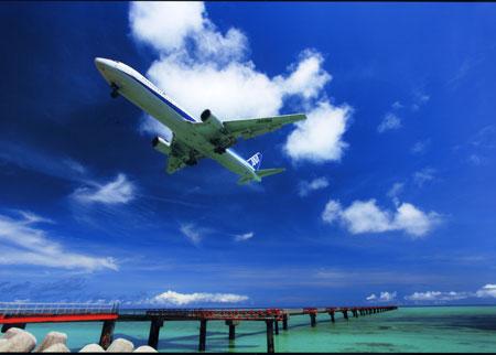 下地島訓練飛行場の空と海